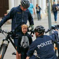 Fahrradpolizei das neue Bild Pro Polizei Österreich TV